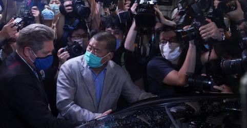 Placeholder - loading - Imagem da notícia Jimmy Lai diz que Hong Kong precisa de campanha democrática paciente, não radical