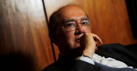 Placeholder - loading - Imagem da notícia Gilmar Mendes revoga ordem de prisão preventiva e mantém Queiroz e mulher em prisão domiciliar