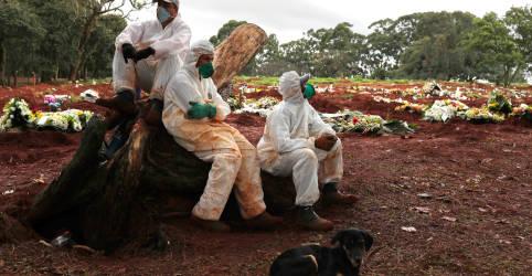 Placeholder - loading - Imagem da notícia Brasil registra 709 mortes por Covid-19 e total chega a 107.232