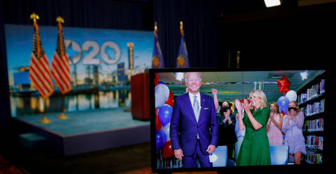 Placeholder - loading - Imagem da notícia Democratas indicam Joe Biden a presidente prometendo acabar com 'caos' de Trump