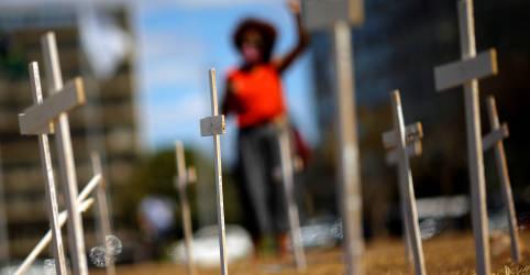 Placeholder - loading - Imagem da notícia Brasil chega a 111.100 mortes por Covid-19 com mais 1.212 novos óbitos