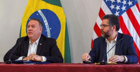 Placeholder - loading - Imagem da notícia Comissão do Senado chama Ernesto Araújo para explicar visita de Pompeo