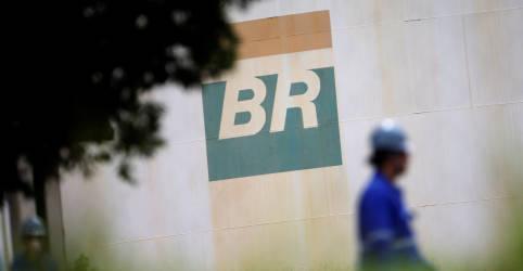 Placeholder - loading - Imagem da notícia Petrobras vê Marco Aurélio dar 3° voto no STF contra venda de refinarias