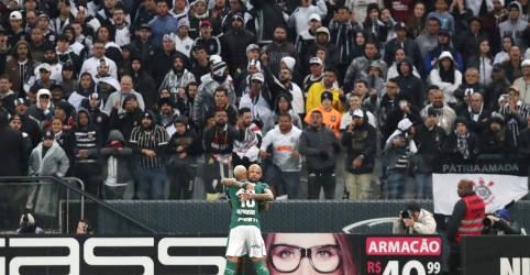 Placeholder - loading - Imagem da notícia Governo de SP veta presença de torcida em jogos de futebol no Estado