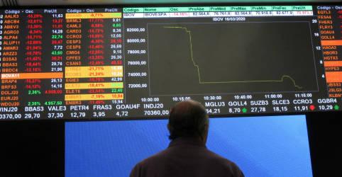 Placeholder - loading - Imagem da notícia Ibovespa segue NY e fecha abaixo de 96 mil pontos pela 1ª vez em quase 3 meses