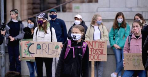 Placeholder - loading - Imagem da notícia Jovens de todo o mundo exigem ações contra a mudança climática