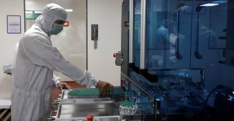 Placeholder - loading - Brasil tenta assegurar importação de vacina da AstraZeneca da Índia