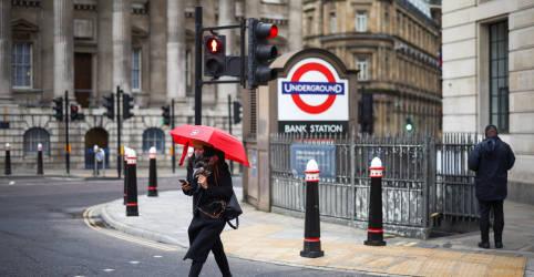 Placeholder - loading - Imagem da notícia Britânicos são obrigados a ficar em casa em início do terceiro lockdown nacional