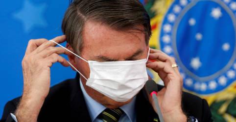 Placeholder - loading - Imagem da notícia Bolsonaro diz que pandemia 'complicou' mexer na tabela do IR