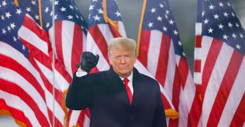 """Placeholder - loading - """"Não vamos aguentar mais"""", diz Trump; apoiadores invadem prédio do Congresso"""