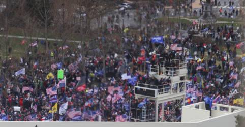 Placeholder - loading - Manifestantes pró-Trump invadem Capitólio dos EUA