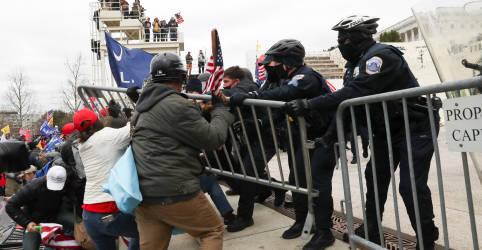 Placeholder - loading - Imagem da notícia Apoiadores de Trump invadem Congresso dos EUA durante debate sobre resultado das eleições