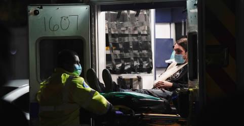 Placeholder - loading - Imagem da notícia EUA têm pior dia da pandemia, ofuscado por invasão do Capitólio em Washington