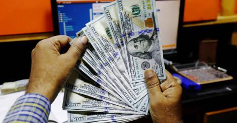 Placeholder - loading - Imagem da notícia Dólar supera R$5,50 e bate máximas em dois meses por correção externa