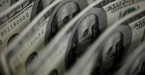 Placeholder - loading - Imagem da notícia BC atua, mas dólar supera R$5,50 e bate máxima em 2 meses com exterior e mal-estar local