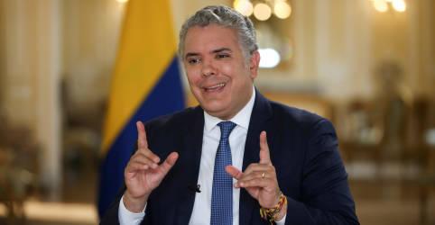 Placeholder - loading - Imagem da notícia REUTERS NEXT-Comunidade internacional tem de ajudar países pobres a garantir vacinas, diz presidente da Colômbia