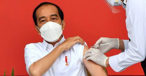 Placeholder - loading - Imagem da notícia Indonésia inicia uma das maiores campanhas de vacinação contra Covid-19 com CoronaVac