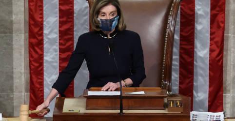 Placeholder - loading - Imagem da notícia Câmara dos EUA aprova impeachment de Trump após ataque ao Capitólio; destino fica nas mãos do Senado