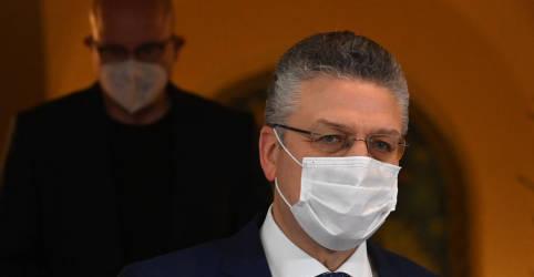 Placeholder - loading - Imagem da notícia Autoridade de saúde da Alemanha vê pandemia controlada até final do ano