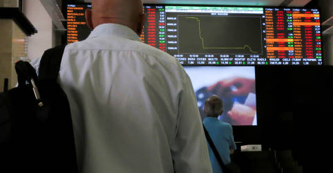 Placeholder - loading - Imagem da notícia À espera de pacote de estímulo nos EUA, investidor volta às compras e Ibovespa sobe