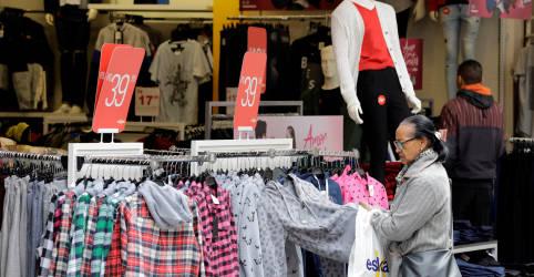 Placeholder - loading - Vendas no varejo do Brasil têm queda inesperada em novembro após 6 meses de alta