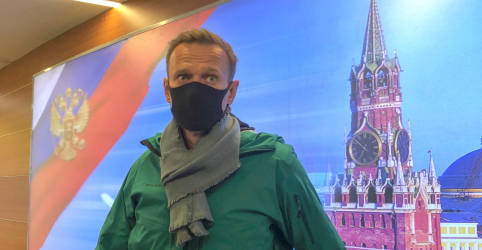 Placeholder - loading - Imagem da notícia Promotores russos querem Navalny preso por 30 dias