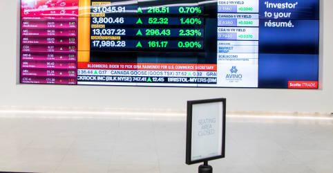 Placeholder - loading - Imagem da notícia Ibovespa fecha em queda com ruído fiscal, mas Petrobras e NY limitam perda