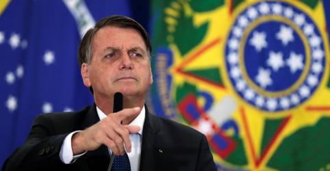 Placeholder - loading - Imagem da notícia Sob críticas, Bolsonaro invoca lealdade das Forças Armadas em discurso na Aeronáutica