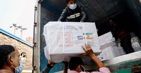 Placeholder - loading - Imagem da notícia Diplomacia da vacina da Índia no sul da Ásia é reação à China