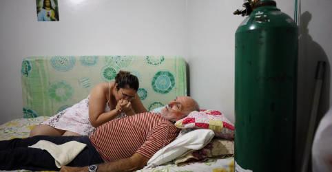 Placeholder - loading - Imagem da notícia Em 'guerra sem tiro', família de Manaus usa oxigênio em casa para salvar pai com Covid