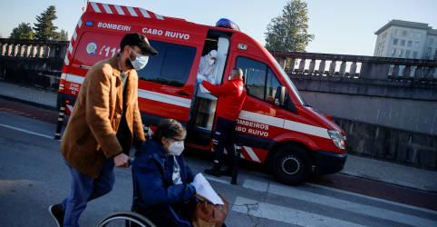 Placeholder - loading - Hospitais de Portugal veem pressão de 'guerra' em meio à disparada da Covid-19