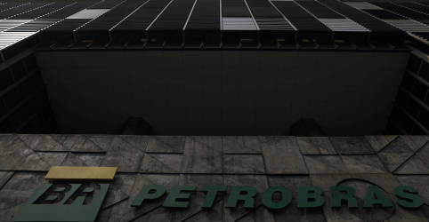 Placeholder - loading - Imagem da notícia Petrobras ainda deve concluir venda de refinaria Rlam antes de março, afirmam fontes
