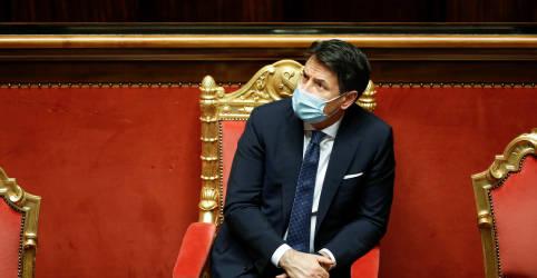 Placeholder - loading - Imagem da notícia Premiê italiano renuncia, presidente iniciará consultas