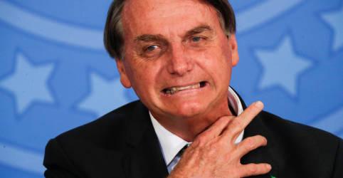 Placeholder - loading - Imagem da notícia Bolsonaro desdenha de pedidos de impeachment e ataca a imprensa com palavrões
