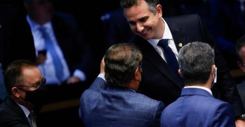 Placeholder - loading - Imagem da notícia Apoiado por Bolsonaro e PT, Rodrigo Pacheco (DEM-MG) é eleito presidente do Senado com 57 votos