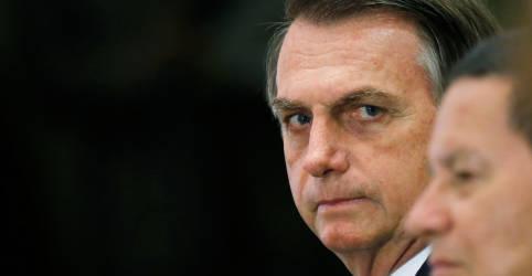 Placeholder - loading - Imagem da notícia Bolsonaro exclui Mourão de reunião com ministros