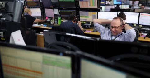 Placeholder - loading - Imagem da notícia Índice recua com Petrobras e foco em cena política, mas Vale atenua perda