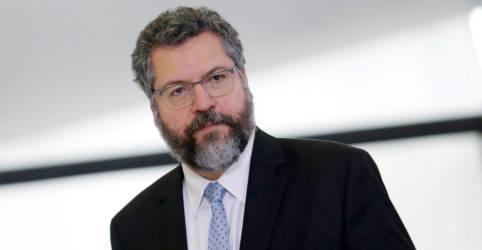 Placeholder - loading - Imagem da notícia Araújo conversa por telefone com novo secretário de Estado dos EUA