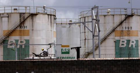 Placeholder - loading - Diretores da Petrobras conversam sobre possível renúncia coletiva, dizem fontes