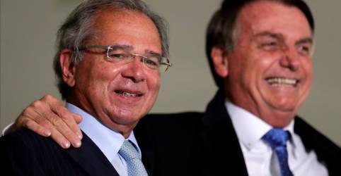 Placeholder - loading - Bolsonaro afaga Guedes em evento no Planalto e diz não haver briga com Petrobras