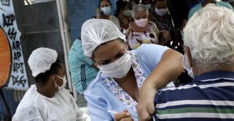 Placeholder - loading - Imagem da notícia Ministério recua e orienta Estados a reservar vacinas para 2ª dose da CoronaVac