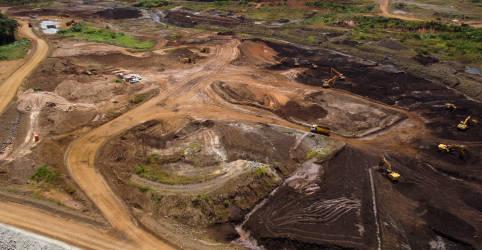 Placeholder - loading - Imagem da notícia Vale tem lucro de US$739 mi no 4º tri; despesas com Brumadinho impactam