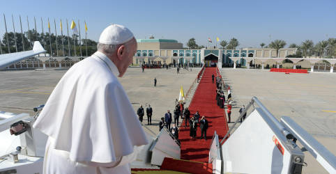Placeholder - loading - Imagem da notícia Papa Francisco encerra viagem épica após pregar a paz no Iraque