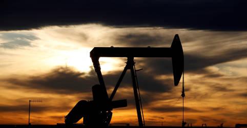 Placeholder - loading - Imagem da notícia Preços do petróleo tocam US$70 pela 1ª vez desde início da pandemia com ataque a sauditas