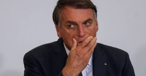 Placeholder - loading - Imagem da notícia Há espaço para Brasil negociar vacinas porque mundo quer conter variante, diz Bolsonaro