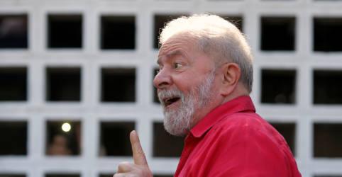 Placeholder - loading - Imagem da notícia Lula adia entrevista para quarta-feira por julgamento de suspeição de Moro no STF