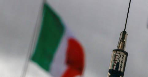 Placeholder - loading - Itália proíbe lote de vacina da AstraZeneca após duas mortes, diz fonte