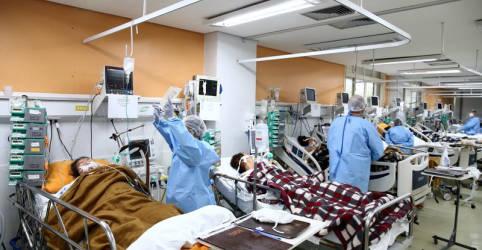 Placeholder - loading - Imagem da notícia Em meio a recorde de casos e mortes por Covid, número 2 da Saúde rejeita lockdown nacional