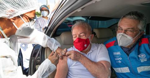 Placeholder - loading - Imagem da notícia Lula recebe 1ª dose de vacina contra coronavírus
