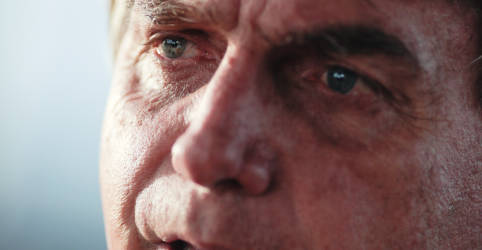 Placeholder - loading - Imagem da notícia Bolsonaro volta a criticar lockdown e insinua medidas para evitar restrições